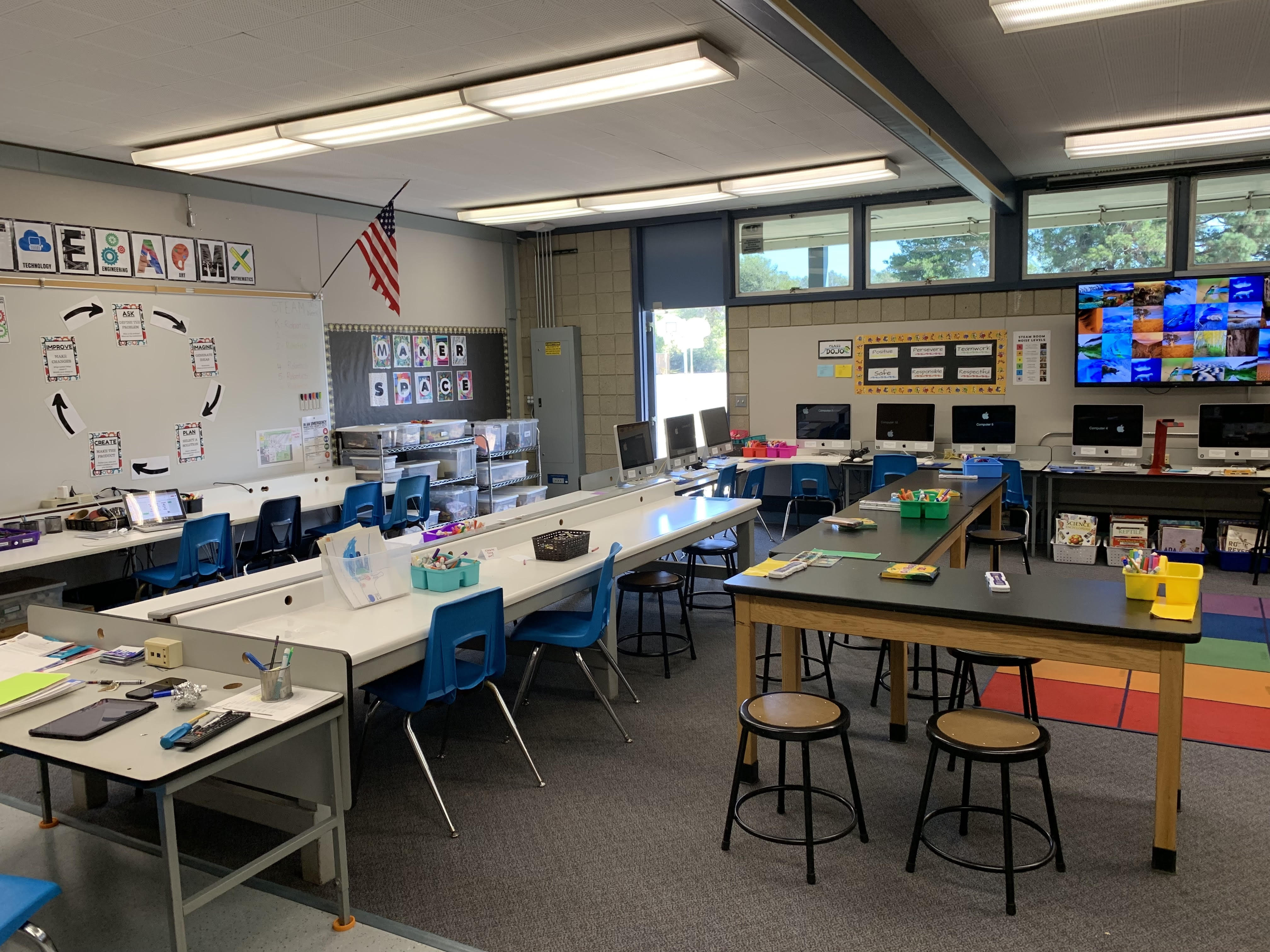 Teachers at El Camino School made do with an antiquated computer center ill-suited for creative collaboration among students.